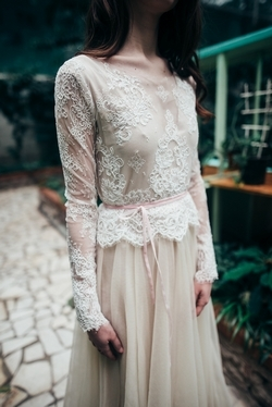 Beige-wedding-dress-with-lace-milk-top